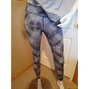 Adidas Climate work out leggings size small